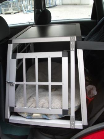 wer transportiert seinen hund auf dem r cksitz mit einer. Black Bedroom Furniture Sets. Home Design Ideas