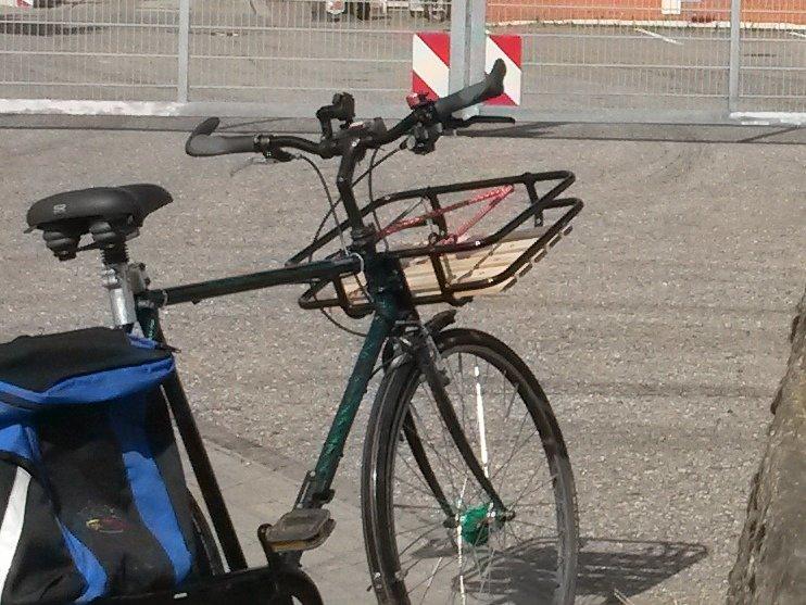 Fahrradkorb.jpg.8cea3b3b72a59a75232e85e2cb37e52e.jpg
